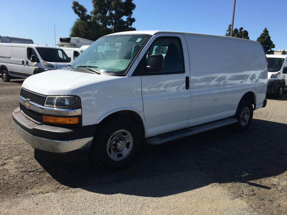 2018 Chevrolet Express 2500 Cargo Van in Fountain Valley, CA