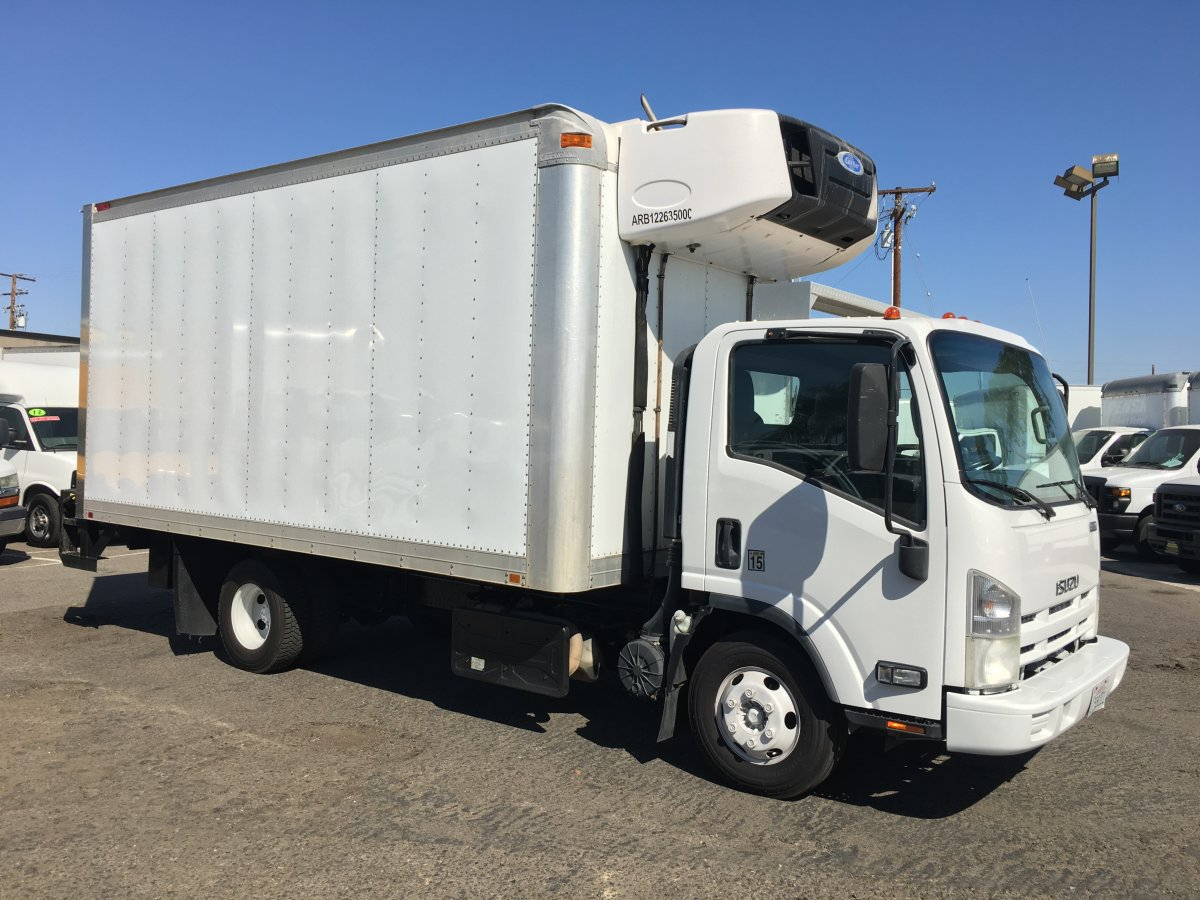 Used 2011 Isuzu NPR 16FT Refrigeration Reefer Box Truck with Liftgate DIESEL with Standby in Fountain Valley, CA