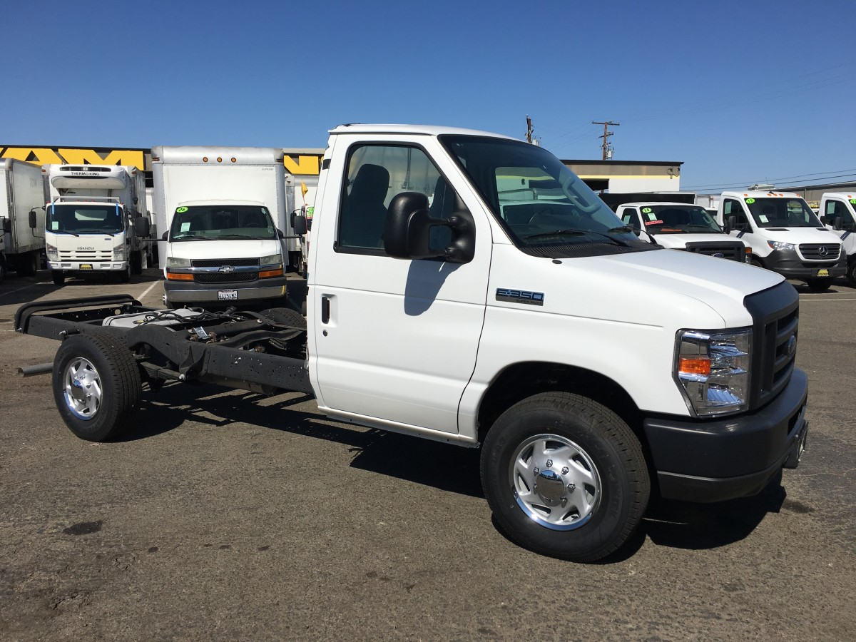 2018 Ford E-350 Cab N Chassis in Fountain Valley, CA