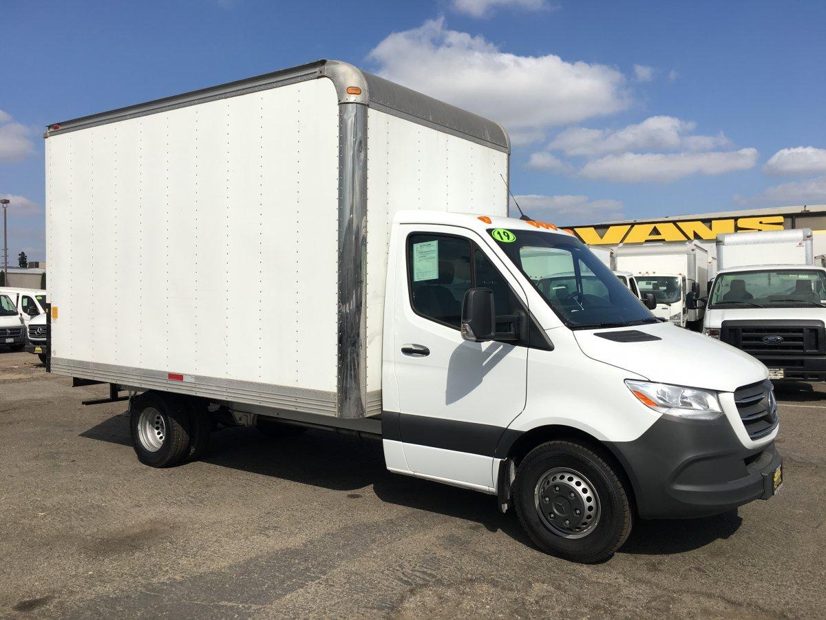 2019 Mercedes-Benz Sprinter 3500 14FT Box Truck DIESEL in Fountain Valley, CA
