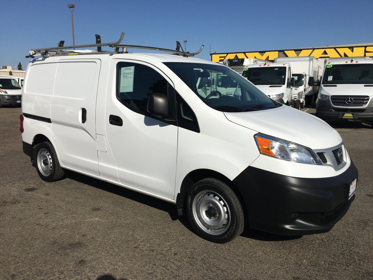 2015 Nissan NV200 SV Cargo Mini Van with Roof Rack in Fountain Valley, CA