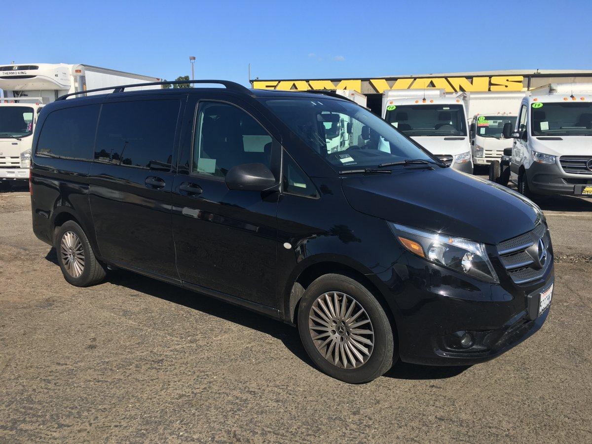2018 Mercedes-Benz Metris  8 Passenger Mini Van in Fountain Valley, CA
