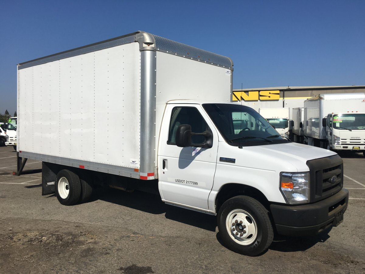 2018 Ford E-350 SD 14FT Box Truck with Loading Ramp in Fountain Valley, CA