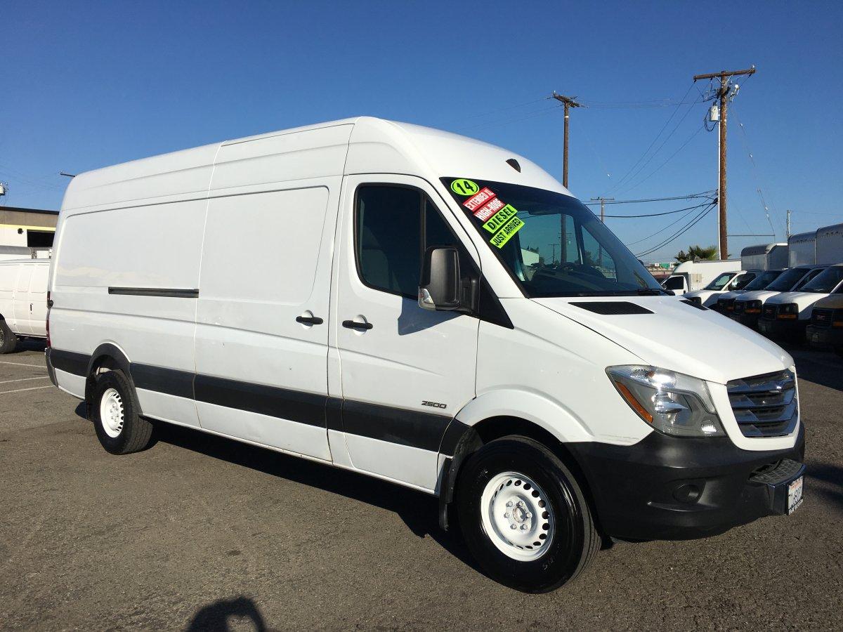 2014 Freightliner Sprinter 2500 Extended High Roof Cargo Van DIESEL in Fountain Valley, CA