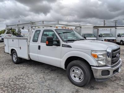 2014 Ford F-350 Utility Truck w/ Roof Rack