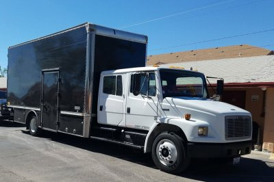 1999 Freightliner FL70 Extended Cab Box Truck with Side Door Access DIESEL in Fountain Valley, CA