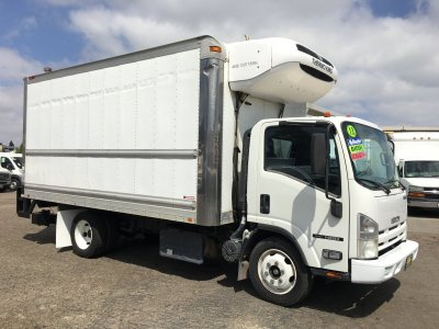 2013 Isuzu NQR 16ft Box Refrigeration Reefer Truck w/ Liftgate DIESEL in Fountain Valley, CA