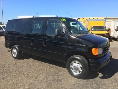 2005 Ford E-350 10 Passenger Van in Fountain Valley, CA