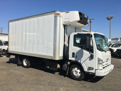 2011 Isuzu NPR 16FT Refrigeration Reefer Box Truck with Liftgate DIESEL in Fountain Valley, CA