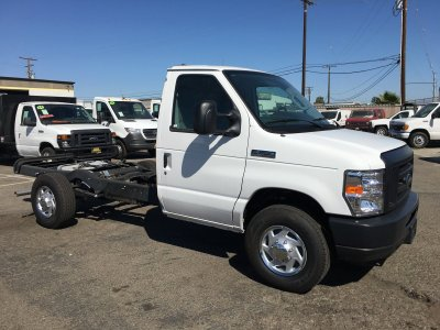 2018 Ford E-350 Cutaway Cab Chassis in Fountain Valley, CA
