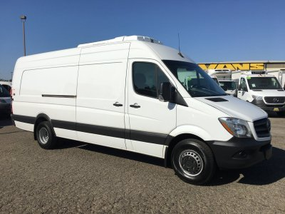 2017 Mercedes-Benz Sprinter 3500 Extended High Roof Refrigeration Reefer Cargo Van XL with Liftgate DIESEL in Fountain Valley, CA