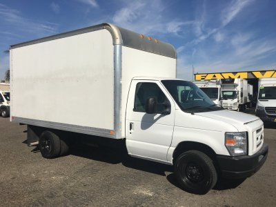 2016 Ford E-350 SD Box Truck with Loading Ramp in Fountain Valley, CA