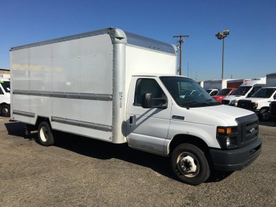 2015 Ford E-350 SD Box Truck with Loading Ramp in Fountain Valley, CA