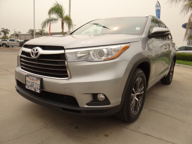 Used 2016 Toyota Highlander XLE V6 in Hanford, CA