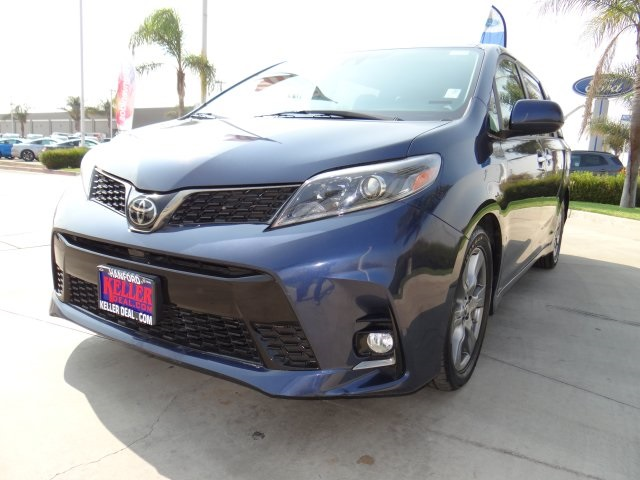 Used 2018 Toyota Sienna SE in Hanford, CA