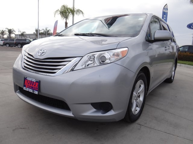 Used 2016 Toyota Sienna LE in Hanford, CA