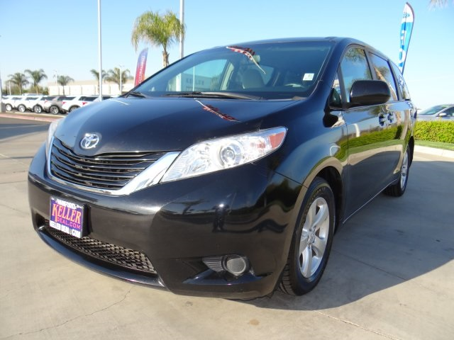 Used 2017 Toyota Sienna LE in Hanford, CA