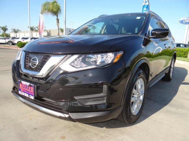 Used 2017 Nissan Rogue SV in Hanford, CA