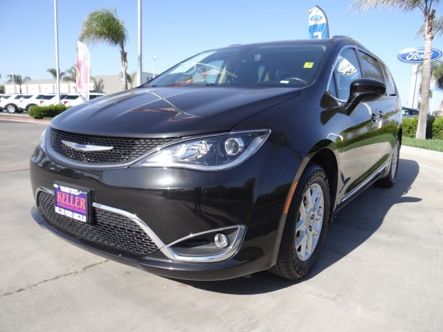 Used 2020 Chrysler Pacifica Touring L in Hanford, CA