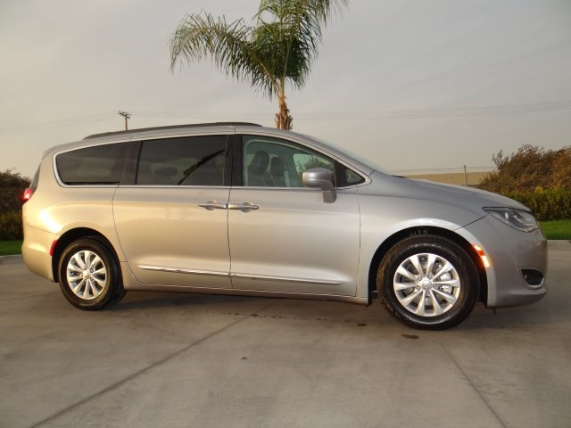 Used 2017 Chrysler Pacifica Touring L in Hanford, CA