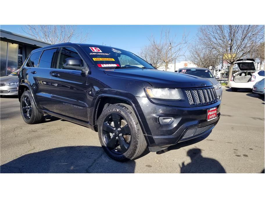 Used 2015 Jeep Grand Cherokee Altitude Sport Utility 4D in Madera, CA