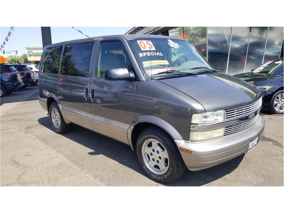 Used 2005 Chevrolet Astro Passenger Minivan 3D in Madera, CA