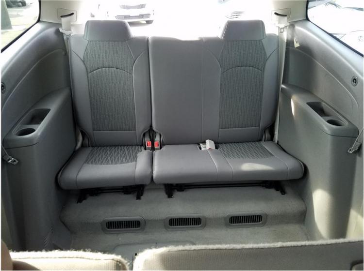 2016 Chevrolet Traverse LS Sport Utility 4D