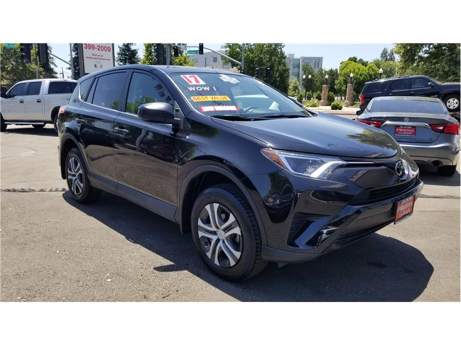 Used 2017 Toyota RAV4 LE Sport Utility 4D in Madera, CA