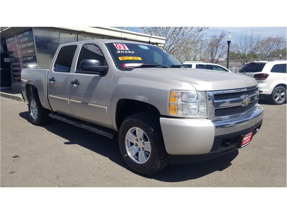 Used 2007 Chevrolet Silverado 1500 Crew Cab LT Pickup 4D 5 3/4 ft in Madera, CA