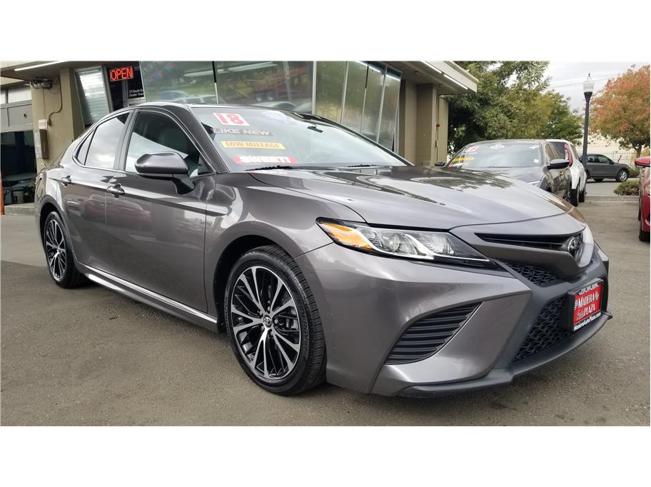 Used 2018 Toyota Camry SE Sedan 4D in Madera, CA