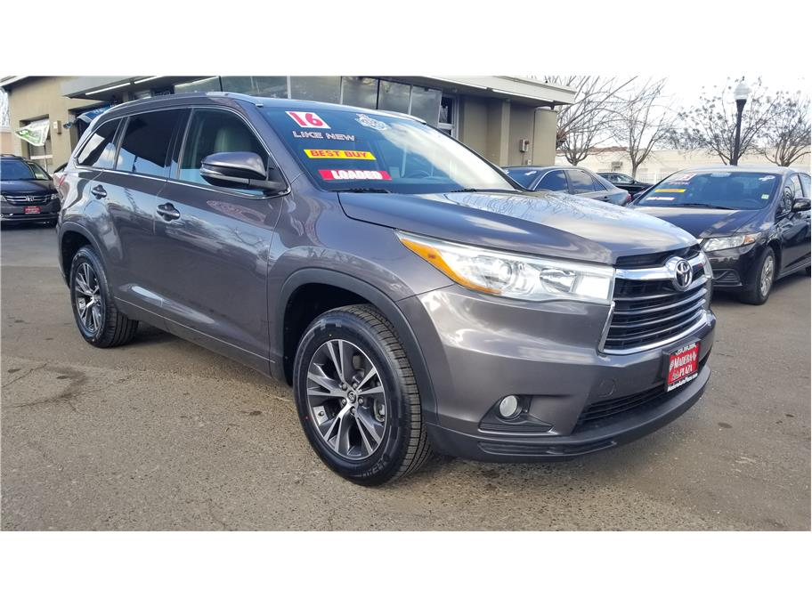 Used 2016 Toyota Highlander XLE Sport Utility 4D in Madera, CA