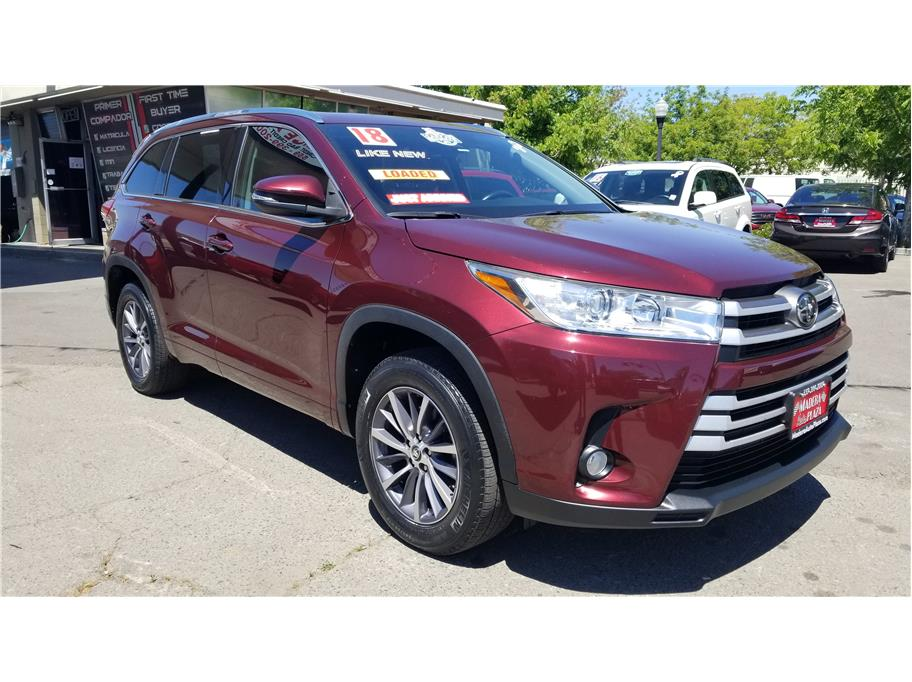 Used 2018 Toyota Highlander XLE Sport Utility 4D in Madera, CA