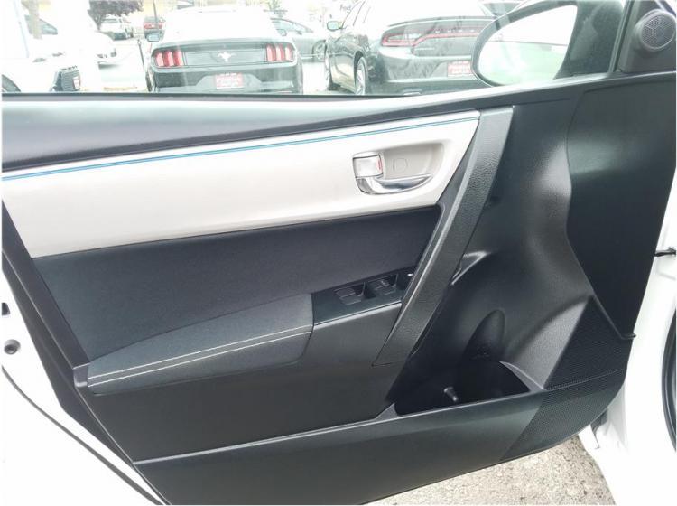 2016 Toyota Corolla LE Sedan 4D