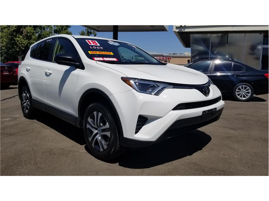 Used 2018 Toyota RAV4 LE Sport Utility 4D in Madera, CA