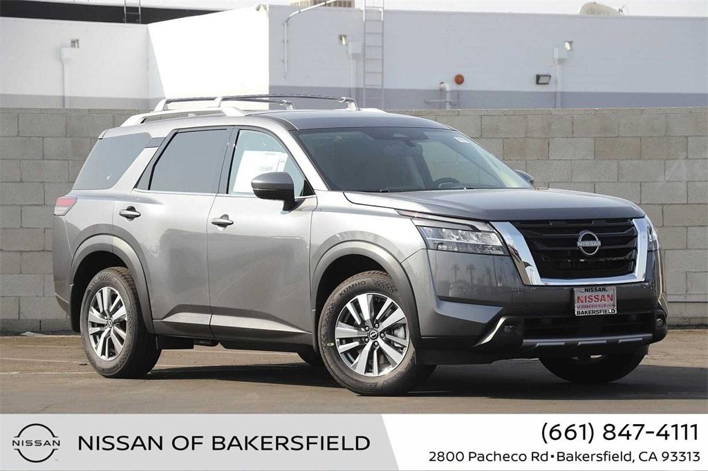 New 2022 Nissan Pathfinder SL in Bakersfield, CA