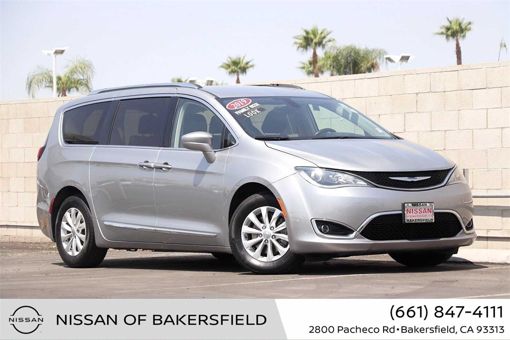 Used 2019 Chrysler Pacifica Touring L in Bakersfield, CA