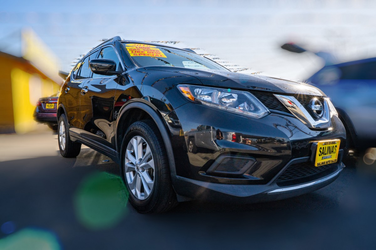 Used 2016 NISSAN ROGUE SV  in Gilroy, CA