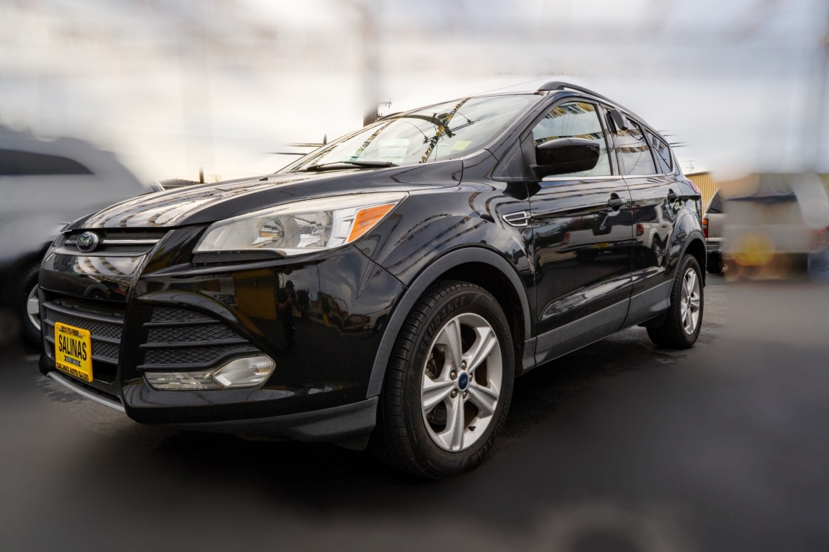 Used 2014 FORD ESCAPE SE  in Gilroy, CA