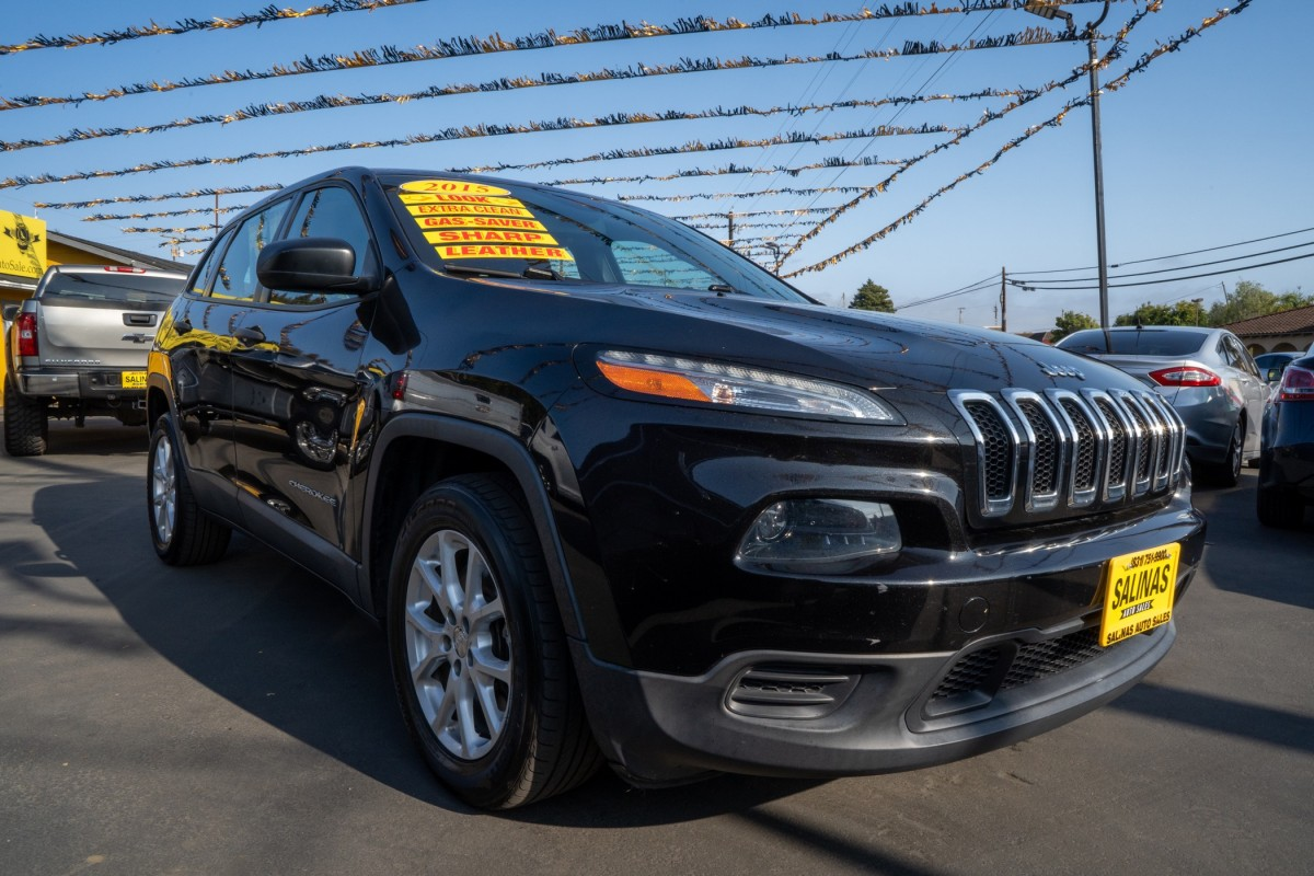 Used 2015 JEEP CHEROKEE Sport  in Gilroy, CA