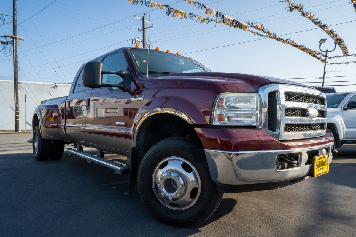 Used 2005 FORD F-350 Super Duty  in Gilroy, CA