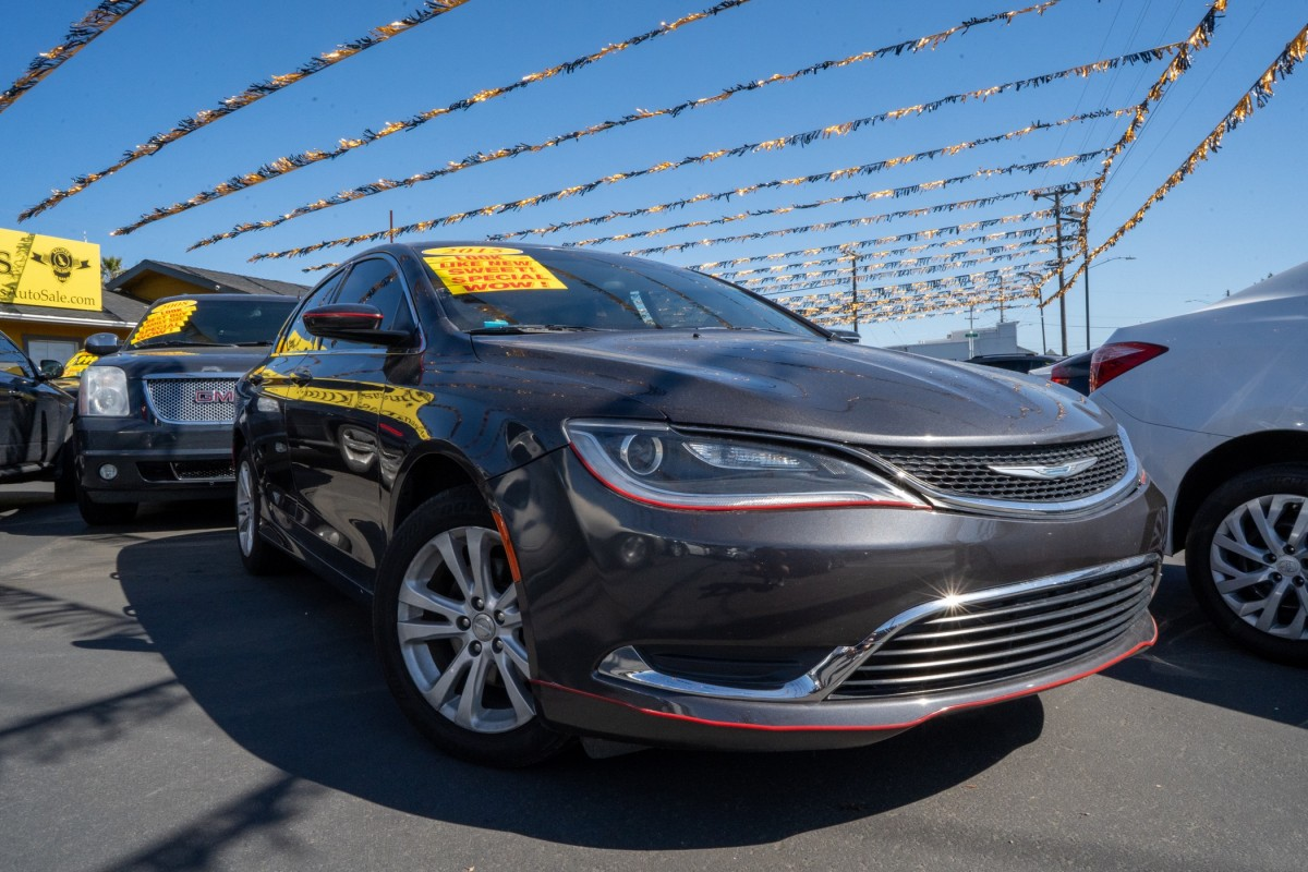 Used 2015 CHRYSLER 200 Base  in Gilroy, CA