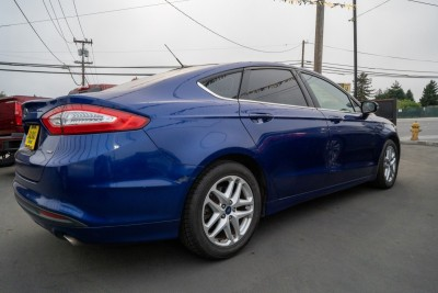 Used 2016 FORD FUSION SE  in Gilroy, CA