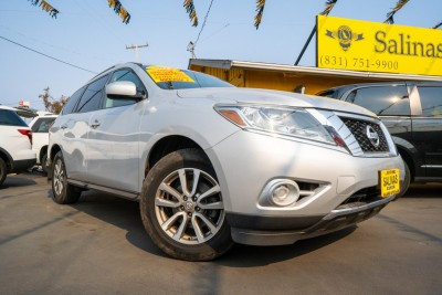 Used 2014 NISSAN PATHFINDER SV  in Gilroy, CA