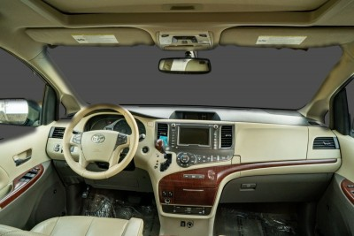 New 2012 Toyota Sienna Limited 7-Passsenger in Gilroy, CA