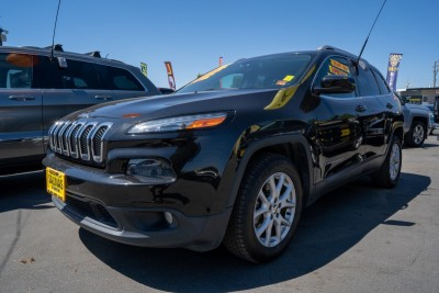 Used 2015 JEEP CHEROKEE  in Gilroy, CA