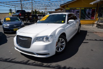 2015 CHRYSLER 300  in Gilroy, CA