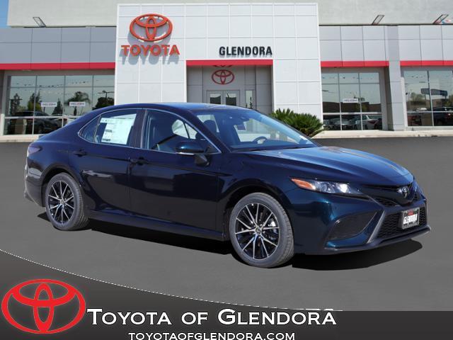New 2021 Toyota Camry SE in Glendora, CA