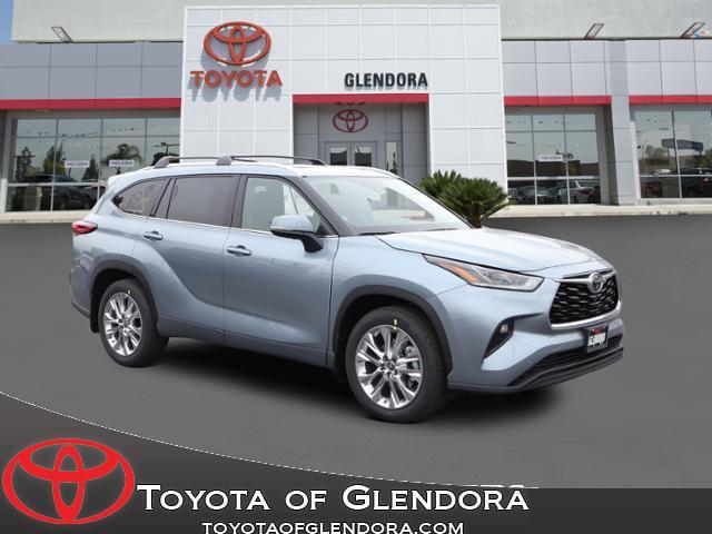 New 2021 Toyota Highlander Limited in Glendora, CA