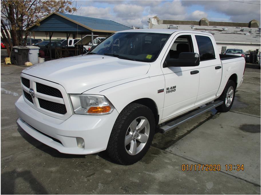 2013 Ram 1500 Crew Cab Tradesman Pickup 4D 5 1/2 ft in Selma, CA