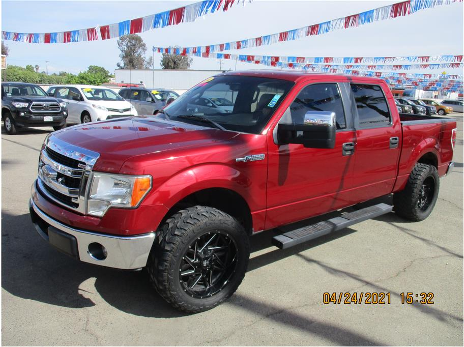 Used 2014 Ford F150 SuperCrew Cab XLT Pickup 4D 5 1/2 ft in Selma, CA
